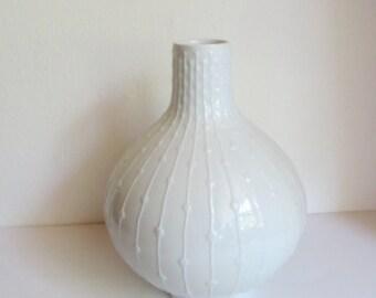 Vintage Hutschenreuther white glazed porcelain vase. Hans Achtziger