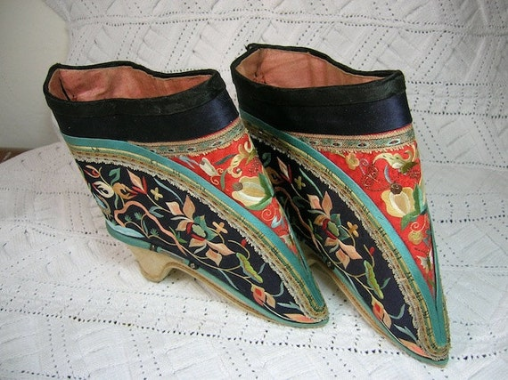 Chinese Lotus Shoes For Sale