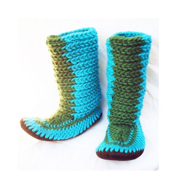 Knitting Patterns For Slippers With Leather Soles : CROCHETED SLIPPER BOOTS with Leather Soles by Muffle-Up! Style: Newt. For Wom...