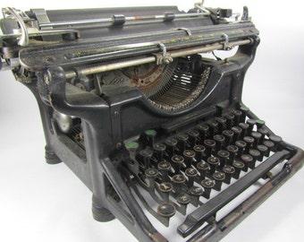 Vintage Underwood Typewriter, Manual Typewriter, Collectible, Photo Prop,