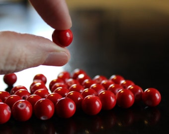 40 red bubblegum glass beads, baking painted, 10 mm, hole 1mm, round