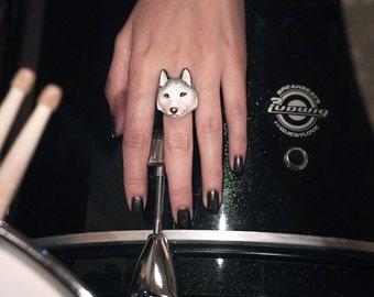 Rain , Husky Ring