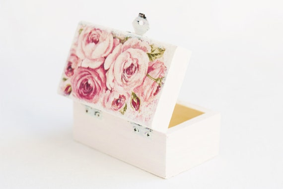 "White wedding ring bearer box ""Romantic Bouquet"" - rose, wedding box, vintage style, rustic, jewelry box, handmade"