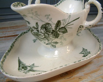 Antique french ironstone green transferware gravy boat / sauce bowl from H.B.& Cie. / CHOISY-le-Roi. Green transferware. French transferware