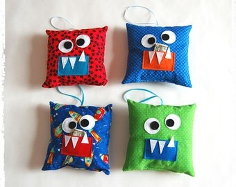 Tooth Monster Pillow**Tooth fairy, boys tooth pillow**Stuffed pillow friend**Tooth fairy pillow**Pocket for money and tooth. Girls and boys.