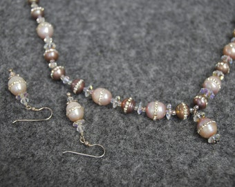 SALE Pearl Eegance Necklace
