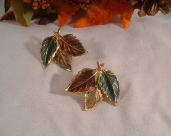 Fashionable Vintage Jewel Tone Gold Cluster of Autumn Leaves Post Earrings