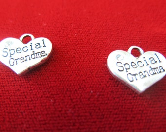 "BULK! 15pc ""Special grandma"" charms in antique silver style (BC270B)"