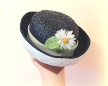 Girls' Vintage Hat - MR JOHN JR - Charming Black and White Straw - Sweet Daisy Accent
