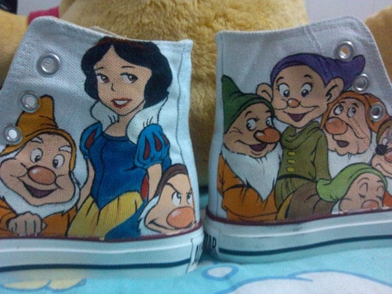 Disney Anime Shoes Painted Shoes Disney's Snow White and the Seven Dwarfs Disney's Winnie The Pooh Shoes