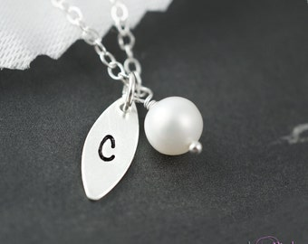 10 pcs bridesmaids gift set of leaf necklaces, bridal party jewelry, bridesmaid necklaces, pearl & letter, leaf charm