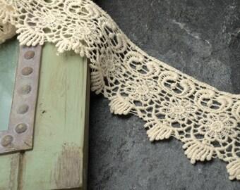 Vintage Ivory Cluny Lace Trim, 2 Inch by 1 Yard, TR-10968