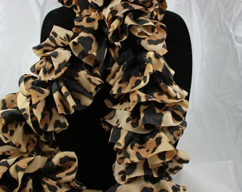 Fashion ruffle scarf, brown and  black