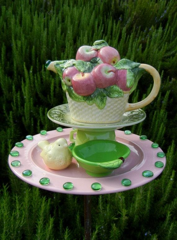 Teapot Bird Feeder Garden