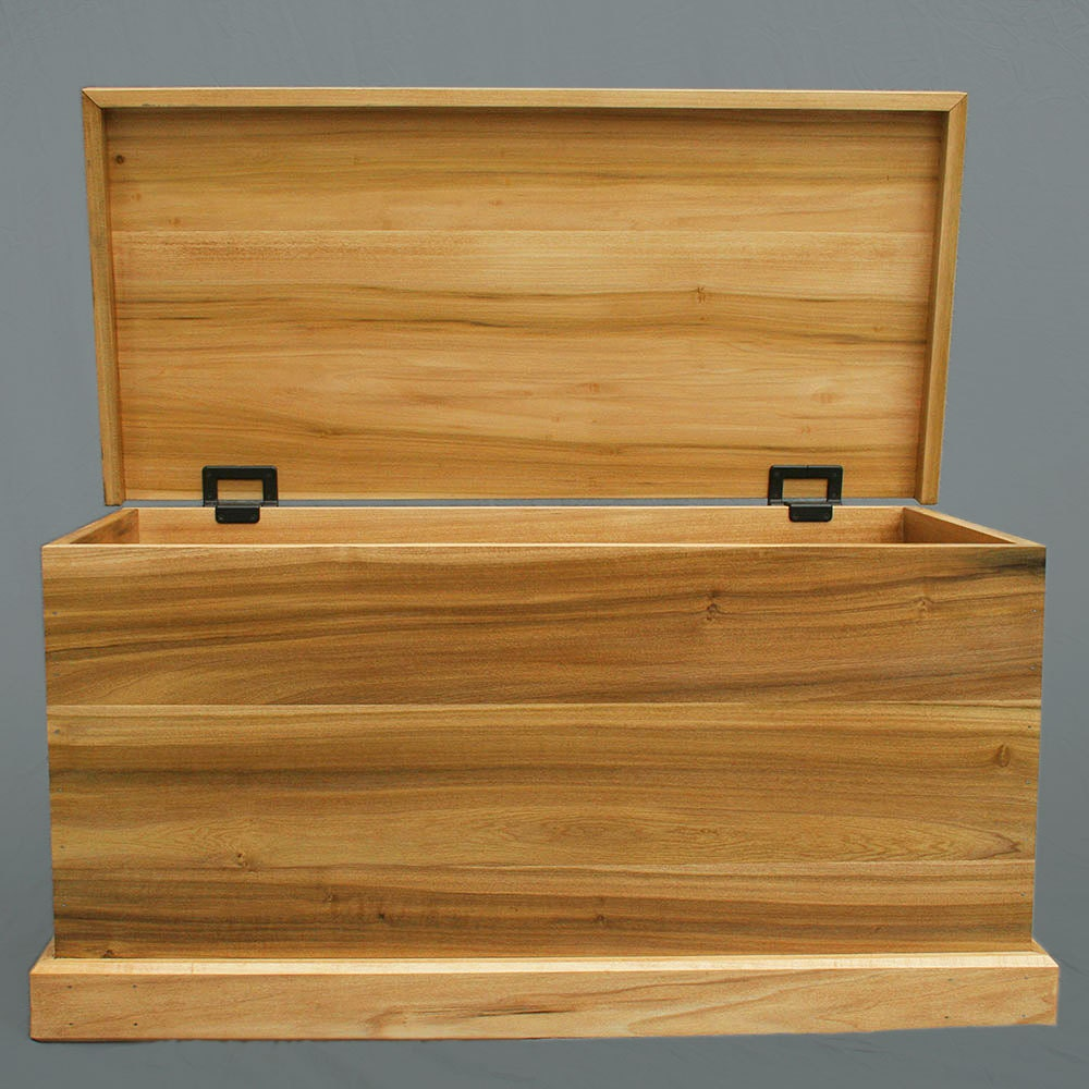 Handmade Toy Chest in Poplar Rustic Torsion Hinges by birdsmouth