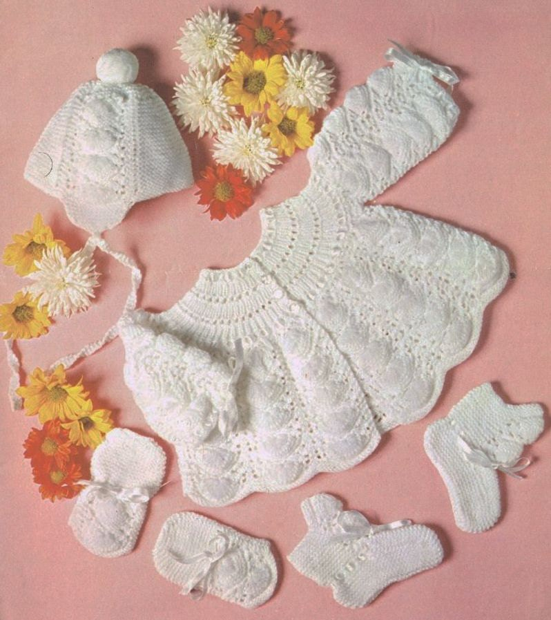 Knitting Pattern For Vintage Baby Bonnet : Baby matinee coat and bonnet set vintage knitting pattern PDF
