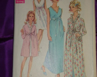 1960s 60s Vintage Sleeveless Nightgown n Long Slv Robe Knee or Ankle Length Ruffled V Neck COMPLETE Simplicity Pattern 7957 Bust 34 US 87 CM