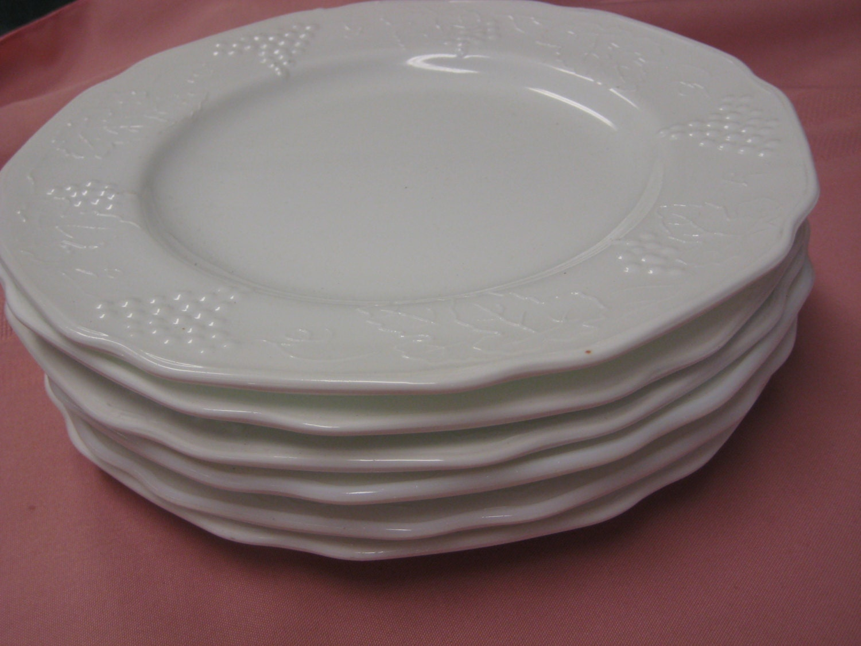 Milk Glass Dinner Plates Grape Leaves Harvest Pattern Indiana