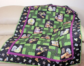 Halloween Lap Quilt in Black & Green, Sofa Throw, Quilted Wall Hanging, Cute, Cuddly Monsters, Halloween Decor for Children of all Ages!