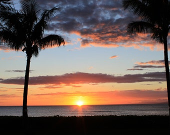 Nature photography - Sunset in Kahana beach, Maui. Print available in various size.