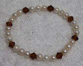 One Stretchy Freshwater Pearl & Crystal Bracelet BR40