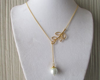Gold Leaf Pearl Necklace,White Pearl Necklace,Gold Necklace,Birthday Gift,Glass Pearl Necklace
