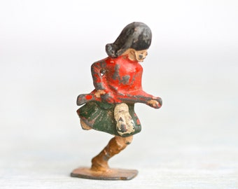 Antique Lead Toy - one legged Scottish Soldier