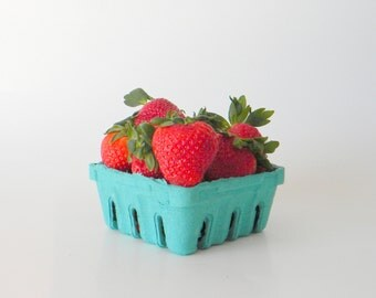 50 qty. 1/2 Pint Berry Baskets, Biodegradable Paper Pulp Basket, Wedding Favor Basket, Farm Theme Party Favor, Spring Favor Basket