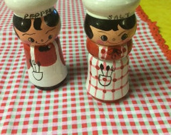 Davar Wood Salt and Pepper Man and Woman Chef
