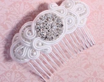 Soutache hair accessory. Wedding comb. White soutache hair accessory. White wedding comb by MollyG Designs. Beaded hair accessories.
