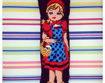 "Cushion canvas vintage ""Hoodwinked"" by Lililamaloulou"