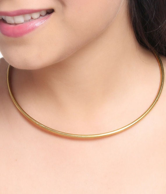 gold collar choker images