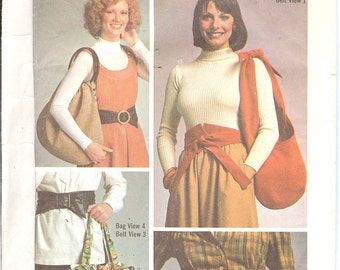 Simplicity 7018  Misses' Belt and Bags  ID447 sewing pattern