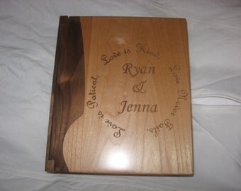 "Engraved Wood Personalized Photo Album ""Circle of Love"" - Large"