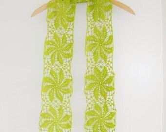 Crochet lace scarf with pinwheel motifs. Crochet lace cotton scarf. Pistachio green scarf. Crochet lace summer scarf. Fine crochet scarf.