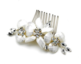 Floral White Frosted Faceted Hair Comb with Rhinestones