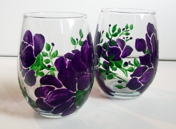 Items similar to hand painted purple flower stemless wine for Painted stemless wine glasses
