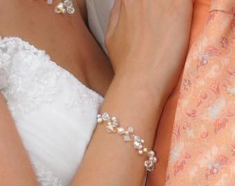 Silver plated Triple Swarovski ivory pearls & crystals Bracelet