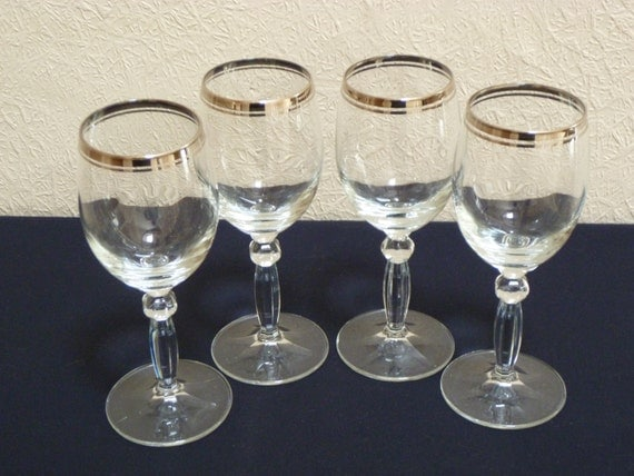 Vintage Set Of 4 Lovely Clear Hand Blown Wine Glasses With