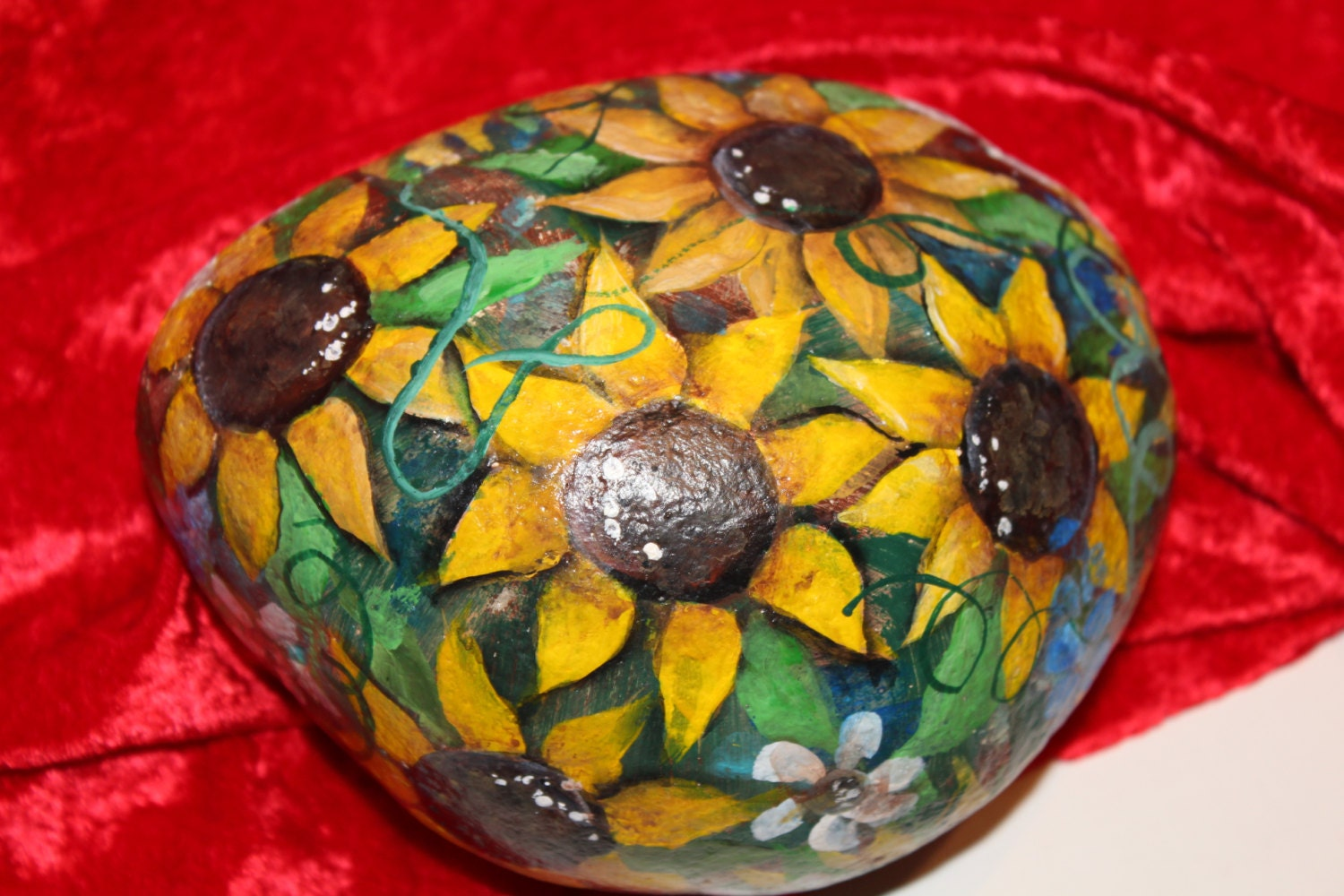 Sunflower painted rock garden decor for Outdoor decorating with rocks