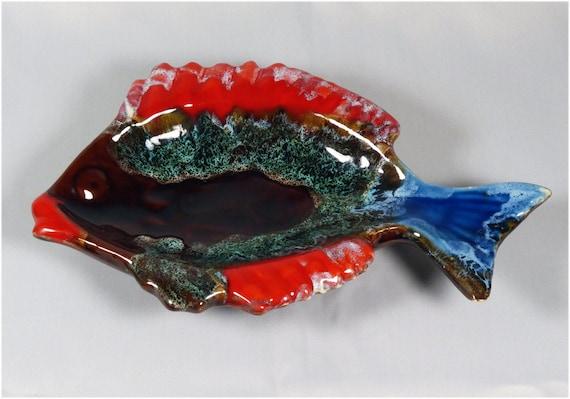 Ceramic seventies fish shaped bowl for Fish shaped bowl