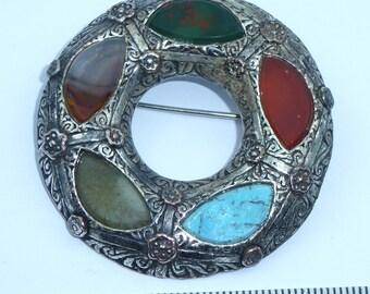 Scottish Hardstone brooch - Small plaid brooch