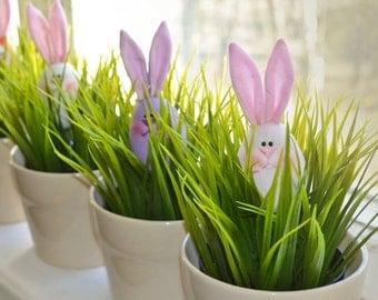 Pattern Charming Easter bunny. jpeg