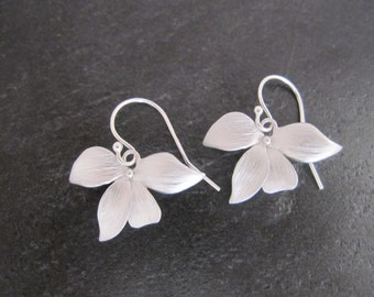 Silver Orchid Flower  Earrings, Orchid Earrings, Gift for Her, Bridal Earring, Bridesmaids earrings, Mother's Day, Everyday Earrings