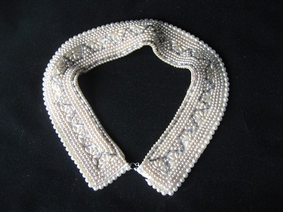 "Vintage Beaded Satin creme Collar 1940,1950's abt. 15"" long very pretty Faux Pearls of various sizes Vintage"