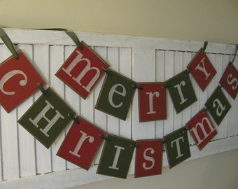 Merry Christmas Banner Dark Red and Green Garland Primitive Christmas Bunting Beautiful Christmas Card Photo Prop