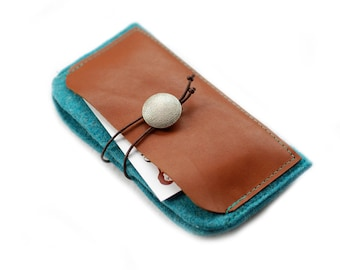 Bag for the Iphone3Gs / 4 / 5 · Felt & leather · Turquoise