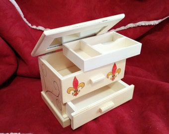 Lion & Rose chest jewelry box - 7x5x5