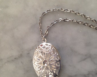 Antique silver Oval Filigree Locket -Essential Oil Diffuser locketComes with Leather pads-Aromatherapy Locket- bulk orders available
