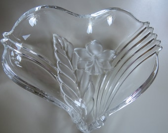 Mikasa Crystal Dish, Mikasa Heart Dish, Crystal Heart Dish, Candy Dish, Valentines Day, Home Deco, Heart Dish, Wedding, Heart, Crystal Dish